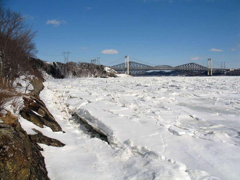 Le fleuve Saint-Laurent, en hiver. © G.bochenek, GNU 1.2
