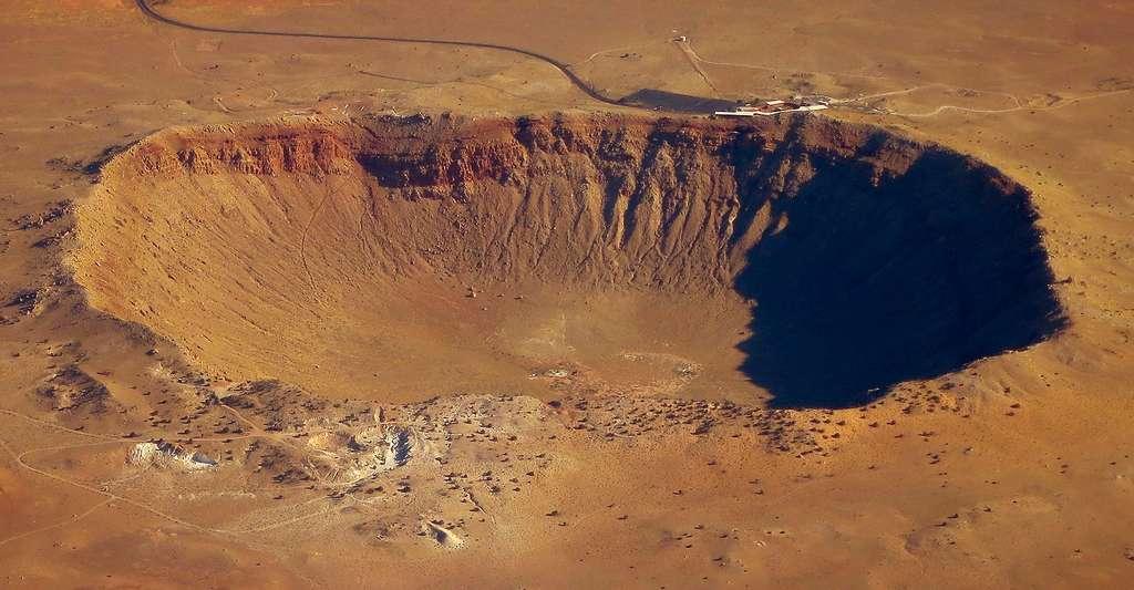 Le célèbre Meteor Crater d'Arizona (1 kilomètre de diamètre) est le résultat de l'impact d'une météorite d'à peine 15 mètres de diamètre. © Steve Jurvetson, CC by-nc 2.0