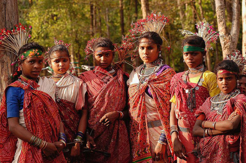 Jeunes femmes de la tribu Baiga, en Inde. © Simon Williams, Ekta Parishad, cc by sa 3.0