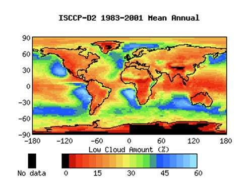 Figure 7: couverture de nuages bas (stratus et stratocumulus) d'après ISCCP (voir note 40). Il s'agit de stratus observables depuis satellite, c'est-à-dire en l'absence de nuages situés au dessus. On notera les fortes concentrations au dessus des océans des latitudes moyennes et à l'est des océans dans les régions tropicales (ISCCP : voir note 7)