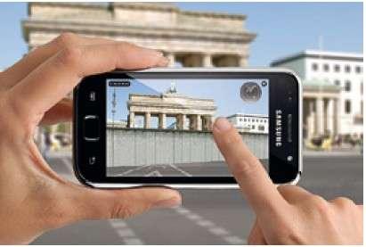 Un exemple de multiplication des usages à venir de l'internet mobile : la société Amadeus imagine une série de services disponibles pour les voyageurs sur smartphones grâce à la téléphonie 4G, depuis l'enregistrement à l'aéroport jusqu'aux informations touristiques. © Amadeus/Layar