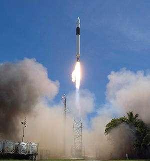 Décollage de Falcon 1 le 28 septembre 2008. Neuf minutes plus tard, après un vol propulsé sans le moindre incident, la charge utile, une simple masse de 165 kg, s'inscrivait sur une orbite de 500 x 700 km inclinée à 9,2°. © SpaceX