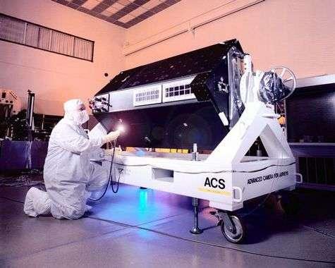 Par rapport à la caméra européenne pour objets faiblement lumineux (FOC) qu'elle a remplacé depuis la mission de maintenance SMB3, la caméra ACS possède un champ de vision multiplié par 2 et un pouvoir de résolution cinq fois supérieur. Crédit NASA.