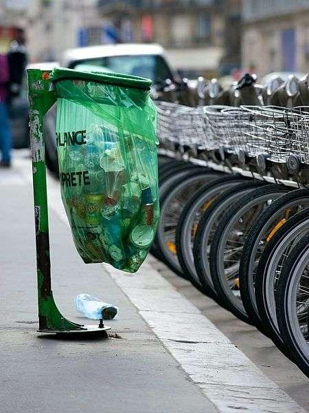 La Semaine Européenne de Réduction des Déchets, qui s'est tenue du 21 au 29 janvier 2009, est une initiative de la Commission européenne destinée à encourager les gestes d'éco-consommation. © Daniel Stockman, cc by sa 2.0