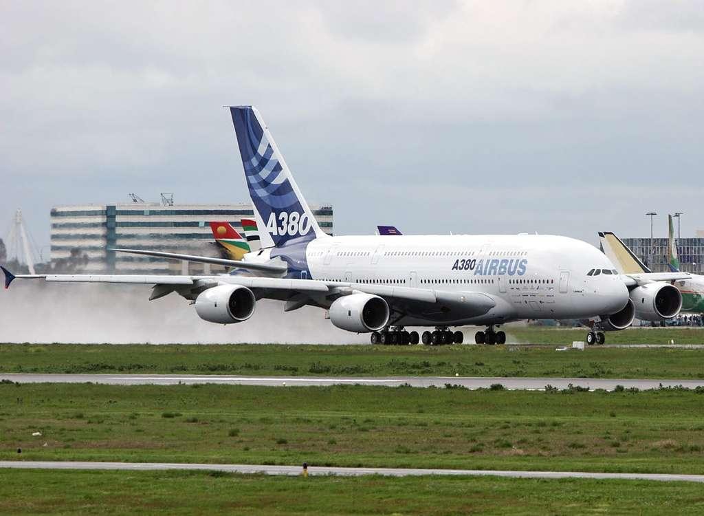 Airbus A380 : tests sur sol mouillé