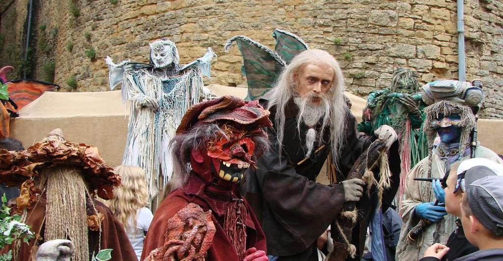 Artistes de la compagnie Entr'act Ouroboros, au festival médiéval de Sedan.© Vassil, Wikimedia, DP