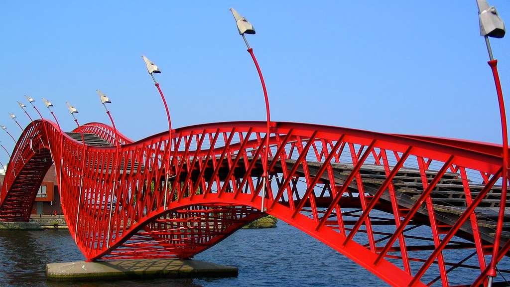 L'Anaconda Bridge ou Pont Python d'Amsterdam