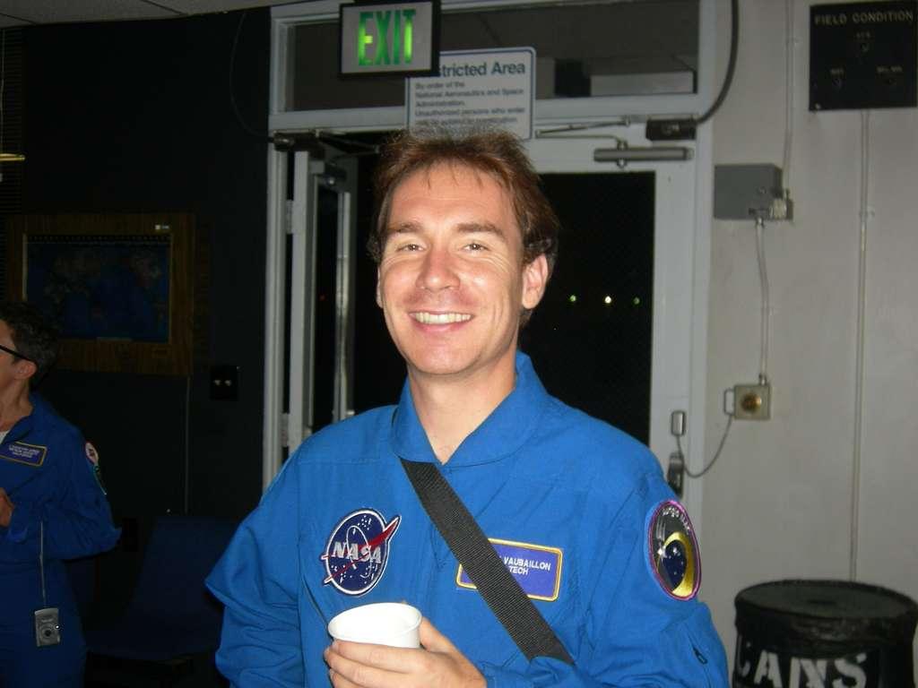 L'astronome Jérémie Vaubaillon travaille à l'IMCCE, où il est spécialisé dans l'étude des essaims météoritiques. Le voici en 2008 lors d'une campagne d'observation organisée par la Nasa. © George Varros