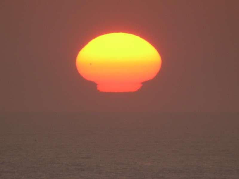 Les mirages solaires et la réfraction atmosphérique