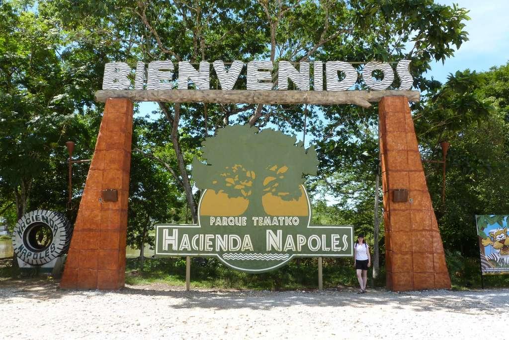 L'ancienne propriété de Pablo Escobar, l'Hacienda Nápoles, a été transformée en parc d'attraction. © Paula Funnell, Flickr