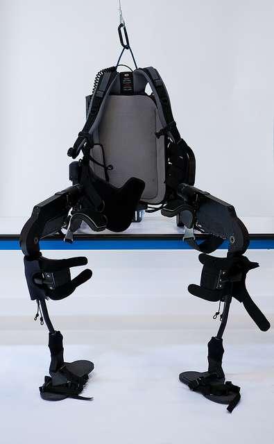2010 : un exosquelette pour faire remarcher les paraplégiques