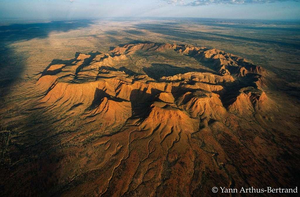 Un cratère météoritique datant du Jurassique au milieu de l'Australie
