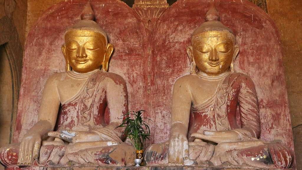Bouddhas jumeaux du temple Dhammayangyi