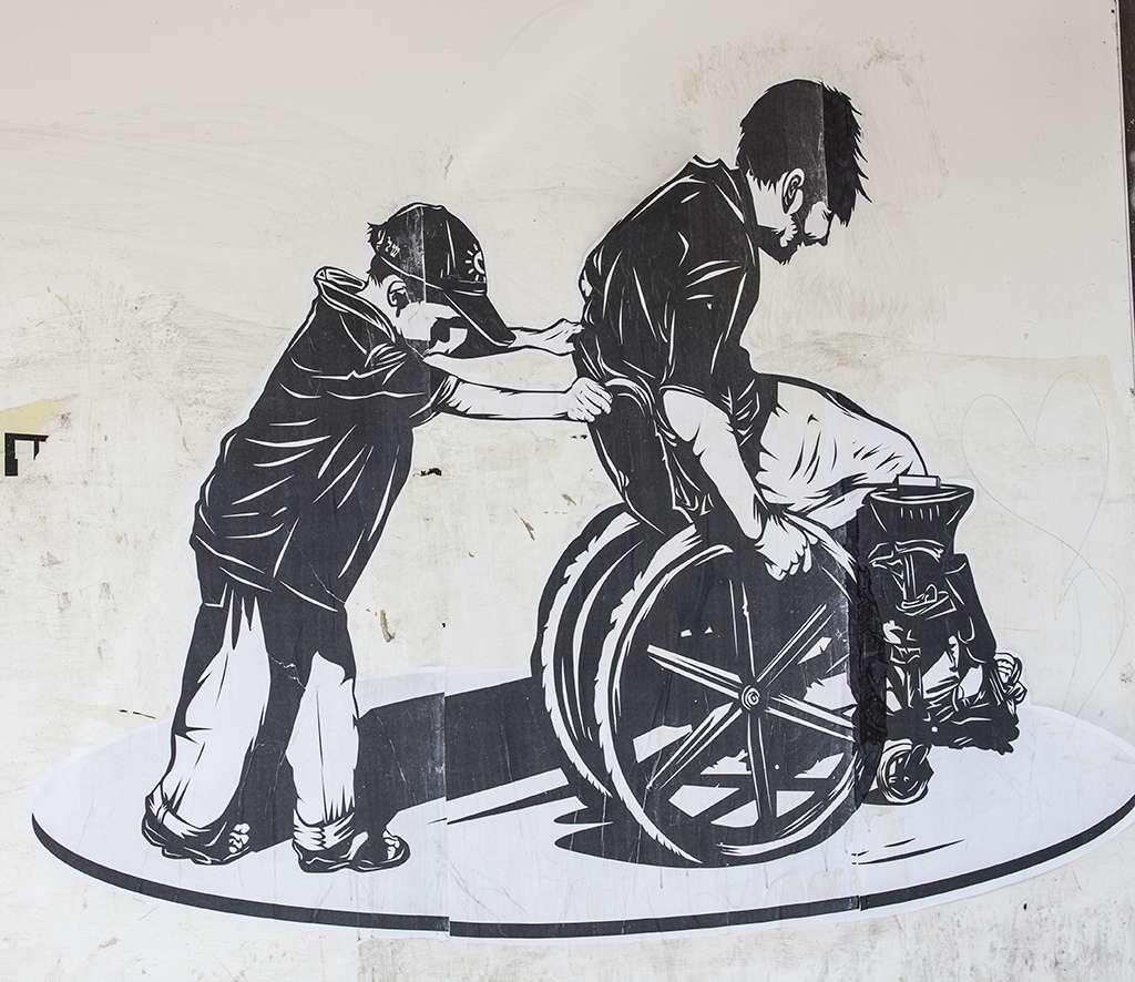 Les personnes paralysées n'ont aujourd'hui aucun traitement à leur disposition. La création d'interfaces cerveau-machines pourrait un jour venir à leur secours. © zeevveez, Flickr, cc by 2.0