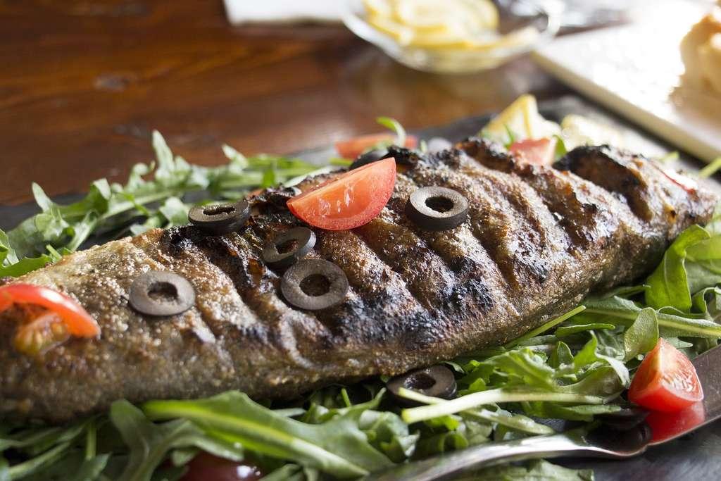 Le poisson apporte des acides gras oméga-3. © aytalina, Pixabay, CC0