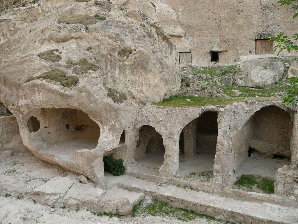 Habitations troglodytes à Hasankeyf, en Turquie. © Nevit Dilmen, CC by-nc 2.0