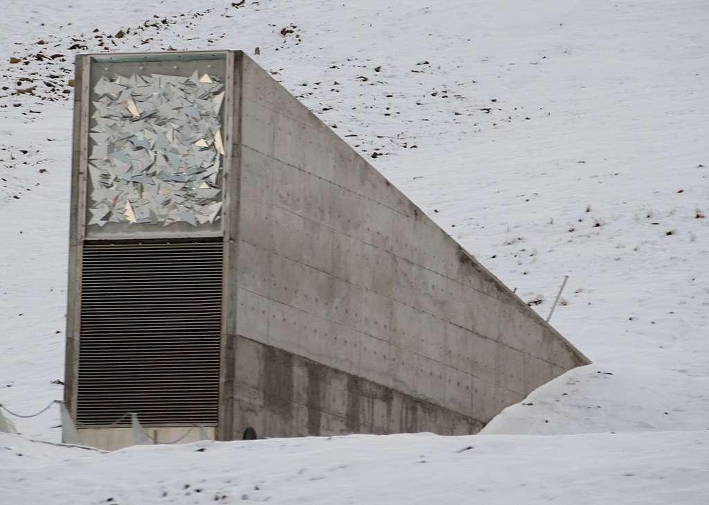 L'entrée de la grotte de la Réserve de semences du Svalbard. © Bjoertvedt, CC by-nc-sa 3.0