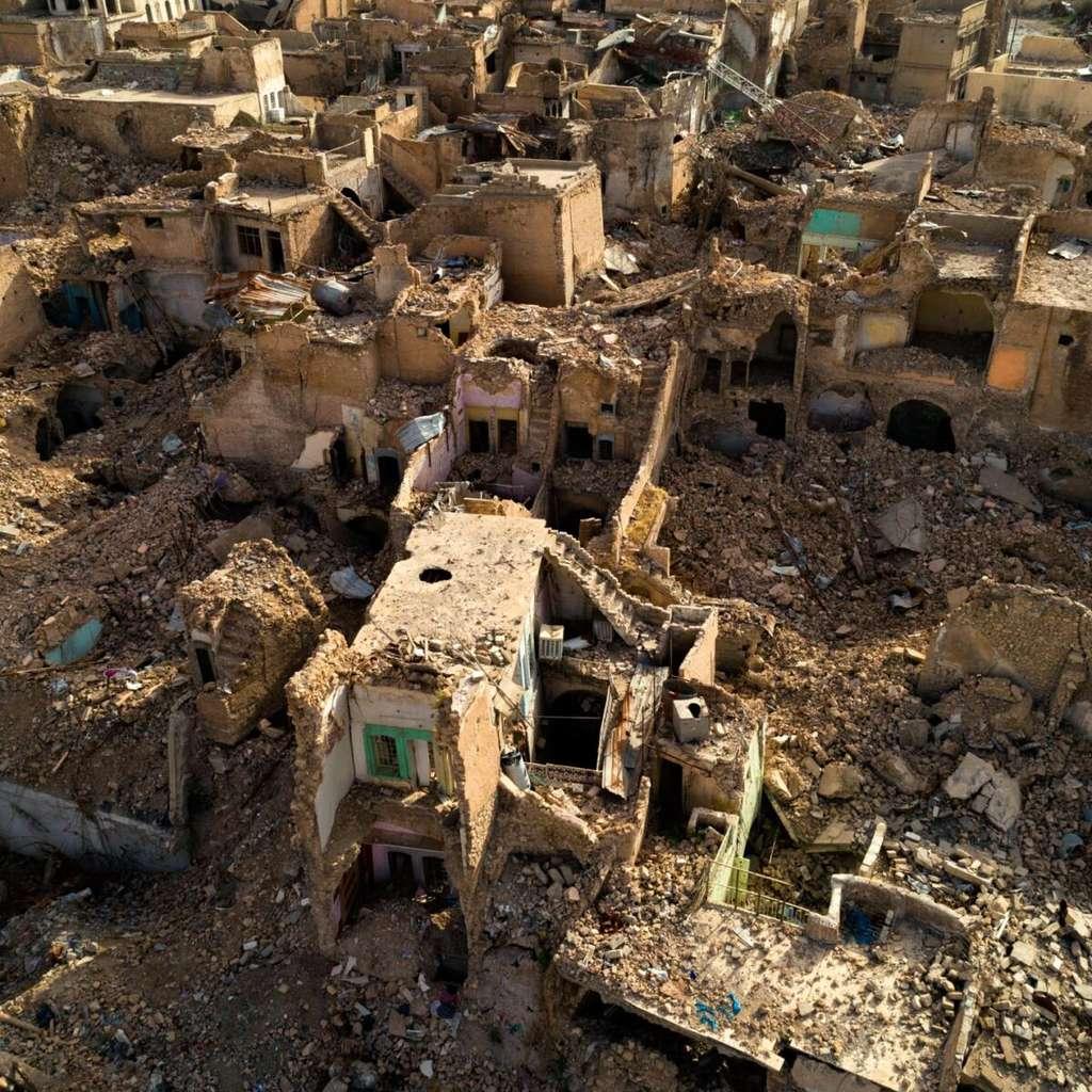 """La ville bombardée de Mossoul (26 mai 2018), Irak (36°20'47"""" N 43°8'1"""" E). © Yann Arthus-Bertrand"""
