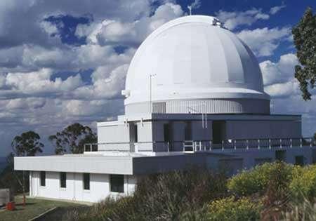 Coupole du télescope de l'Observatoire anglo-australien utilisé par le programme 6dFGS. Source AAO