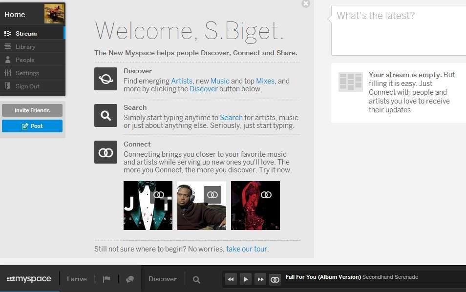 Sur la page d'accueil (Home), Myspace se découpe en trois zones principales. En haut à gauche, une colonne contextuelle de couleur sombre. Elle affiche des éléments du profil de l'utilisateur avec son avatar et les outils de personnalisation de l'interface. C'est également un point d'entrée vers les albums et les artistes disponibles sur le site. La partie principale présente les nouveautés du site et juste à droite, un outil de publication de statut équivalent à celui de Facebook ou Twitter est disponible. © Sylvain Biget, Futura-Sciences