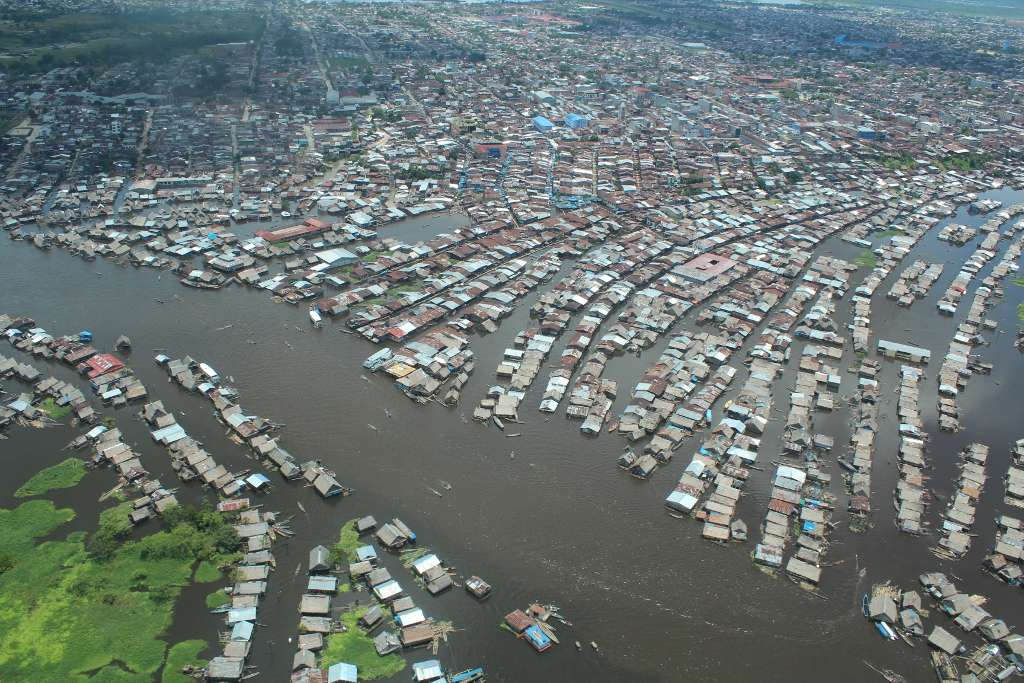 La ville d'Iquitos est située en aval de la confluence des deux principaux affluents de l'Amazone au Pérou, l'Ucayali et le Marañón. La crue du fleuve a dépassé son record historique établi en 1986 en atteignant, le 4 avril 2012, une hauteur de 1.118,62 cm. © Marco Paredes (SENAMHI Iquitos)