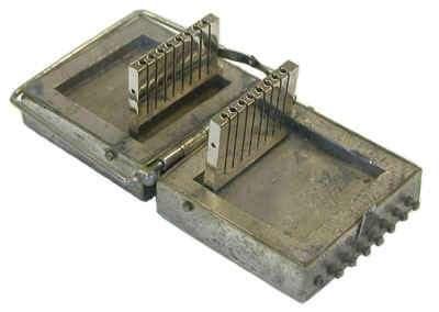 Container en plomb pour le transport d'aiguilles de radium © Oak Ridge National Laboratory