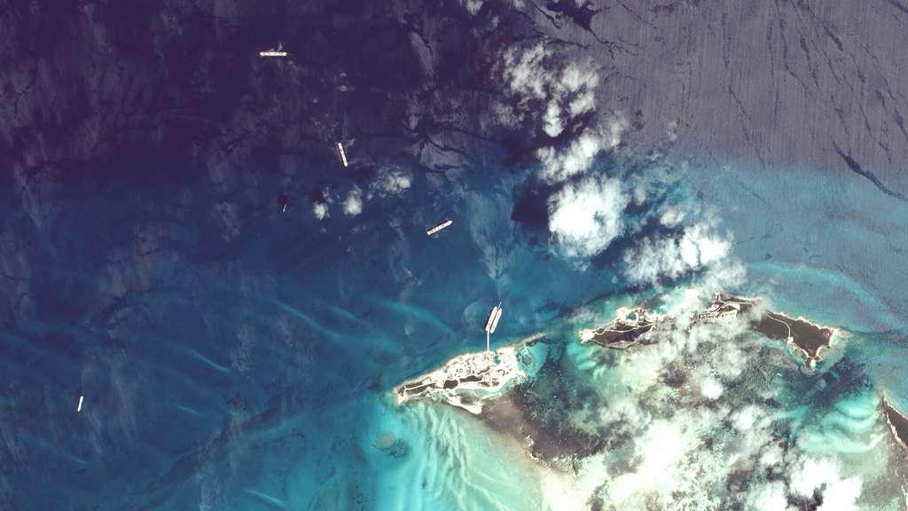 À Coco Cay, l'île privée de Royal Caribbean, où de nombreux bateaux stationnent en attendant la reprise des croisières. © 2020 Planet Labs, Inc