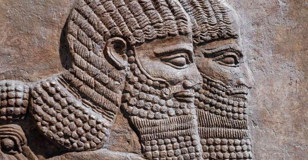 Détail de deux guerriers assyriens. © Kamira, Shutterstock