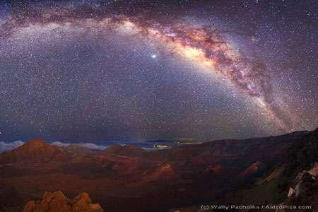 La voie lactée au-dessus de Mauna Kea. © Wally Pacholka
