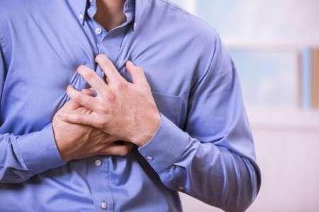 L'étude montre que la chirurgie cardiaque ne garantit pas moins de décès qu'un traitement médicamenteux. © fstop123, Istock.com