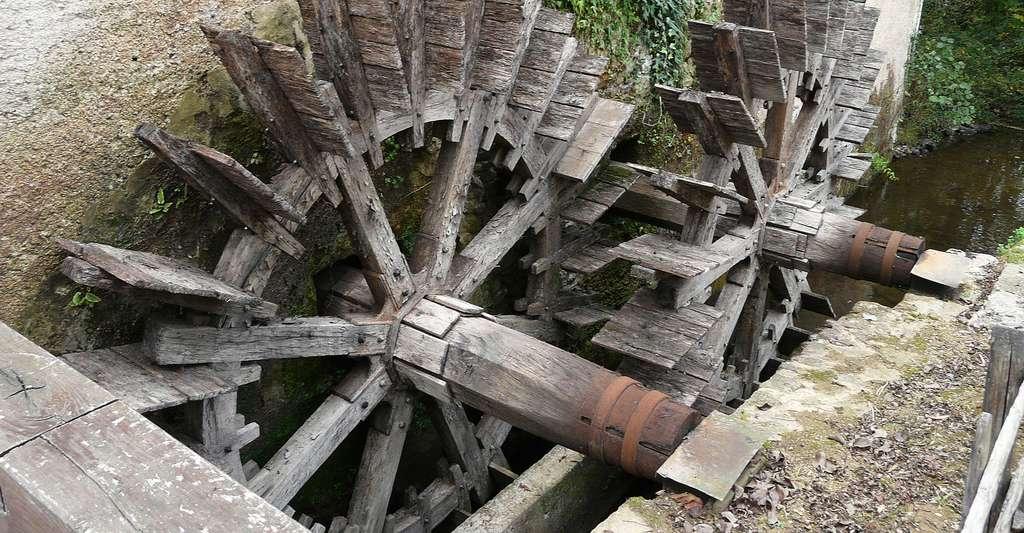 Les roues du moulin de Chabrot sur la Tardoire, Montbron. © Père Igor, Wikimedia commons, DP