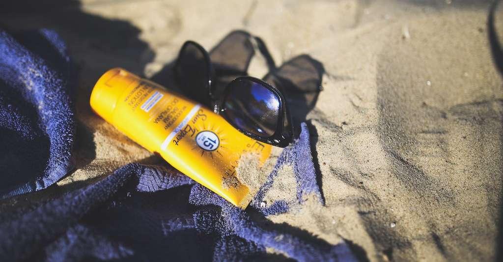 Le choix d'une crème solaire doit être fait en fonction du phototype et de l'exposition concernant l'efficacité, mais aussi en fonction du confort d'application propre à chacun et à chaque zone du corps. © kaboompics, Pixabay, DP