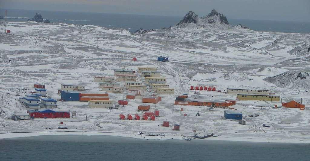 Se basant sur des données recueillies par la station météorologique de la base Eduardo Frei, des chercheurs affirment que l'Antarctique connait son année la plus chaude depuis 30 ans. © Mefisto29, Wikipedia, CC by-SA 4.0