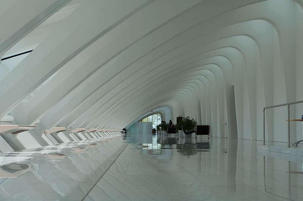 Cette galerie du Milwaukee Art Museum rappelle la forme d'os de requin. © Dori, CC by-nc 3.0