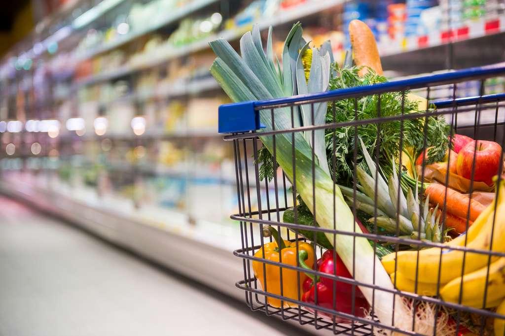 Au supermarché, misez plutôt sur l'achat de produits frais. © benjaminnolte, Adobe Stock