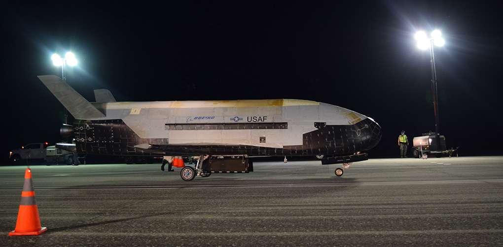 Le X-37B est un drone spatial expérimental destiné à tester différentes technologies. © U.S. Naval Research Laboratory