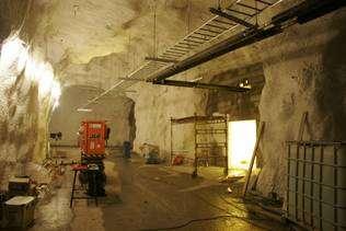 À environ 120 mètres sous la surface, chacune des trois chambres mesure 25 mètres sur 10, pour une hauteur de 6 mètres. © Odd Arvid Strømstad