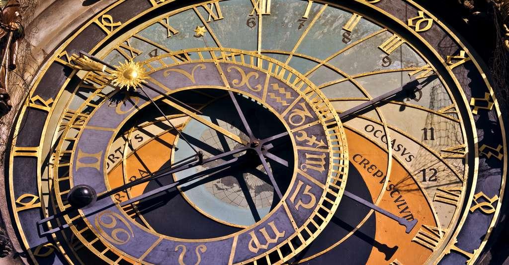 Avant de se lancer dans la construction d'un cadran solaire, mieux vaut avoir en tête quelques bases de mécanique céleste. Ici, l'horloge médiévale astronomique de Prague. © QQ7, Shutterstock