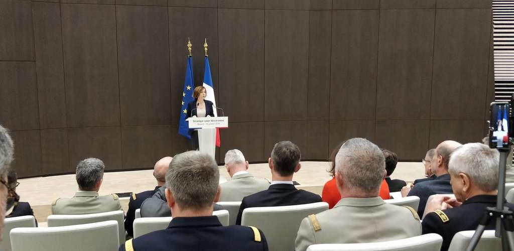 Lors du discours sur la doctrine militaire de lutte informatique offensive (LIO), il a été précisé que les cyberarmes font désormais partie intégrante de l'armement du champ de bataille. © Louis Neveu