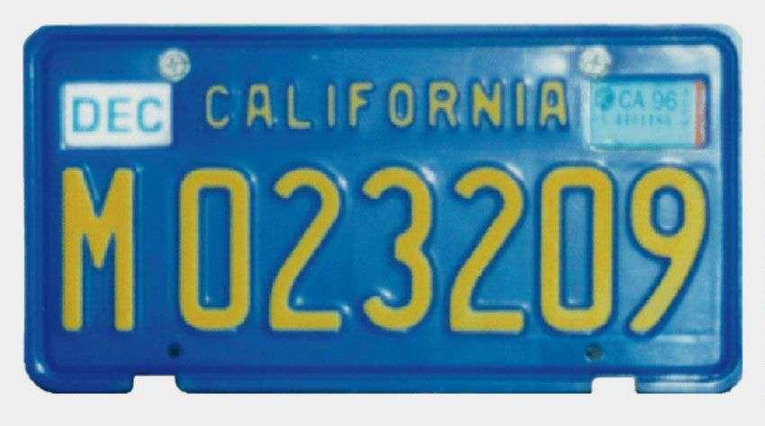 La plaque d'immatriculation de Landon Noll. Cet informaticien californien a découvert en 1979 le 26e nombre premier de Mersenne, M23209. Ce nombre de Mersenne était aussi un nombre premier record. La photographie m'a été communiquée par Luke Welsh, le codécouvreur en 1988 du 29e nombre de Mersenne, M110503 (qui n'était pas un nombre premier record). © Belin