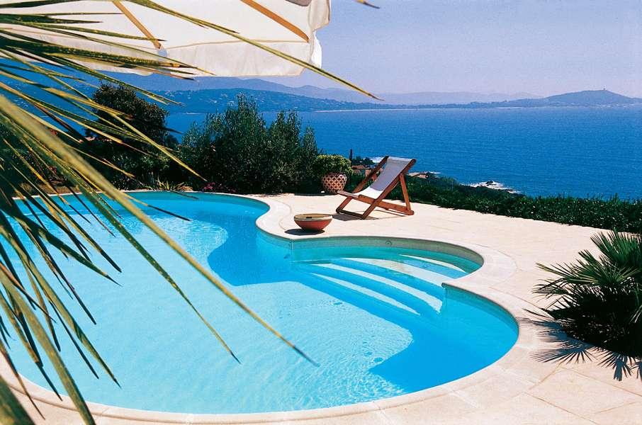 Les piscines privées remportent un vrai succès, en hausse cette année. © Waterair Source : Piscines WATERAIR.