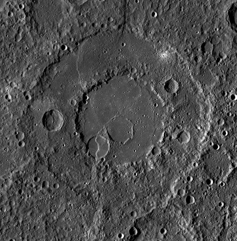 Le cratère Renoir sur Mercure, photo prise par le vaisseau spatial Messenger. © Nasa