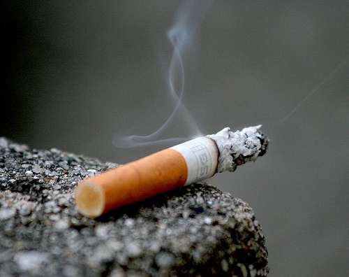 Les risques de cancer du poumon sont sensiblement augmentés en fonction du temps entre réveil et première cigarette ! © Lanier 67 nc-nd 2.0