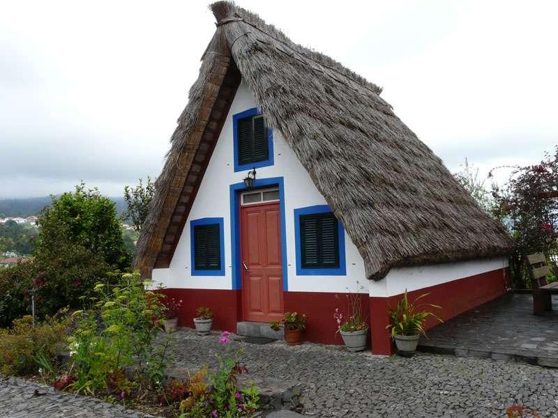 Maison de paille à Santana, sur l'île de Madère