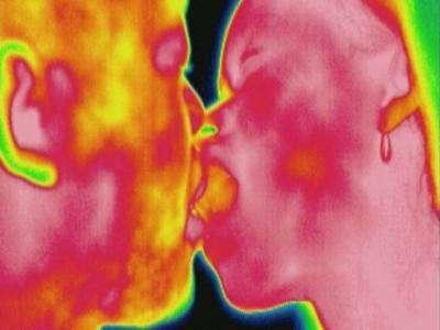 Un baiser stimule 1/10e du corps d'un seul coup. Encore faut-il savoir bien embrasser ! © Mona Lisa - Eurelios Photo/Thierry Berrod. Reproduction et utilisation interdites