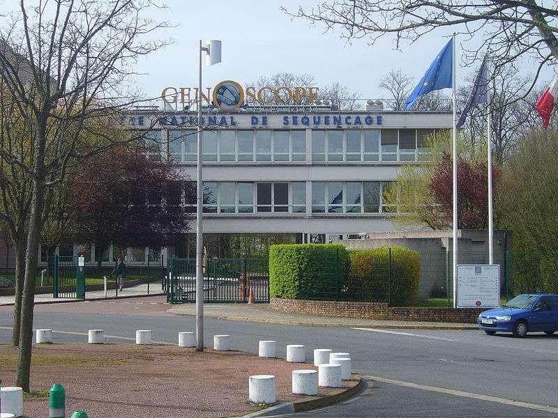 Le Génoscope d'Évry a participé aux travaux de séquençage du génome du caféier. © Plindenbaum, Wikimedia Commons, cc by sa 3.0