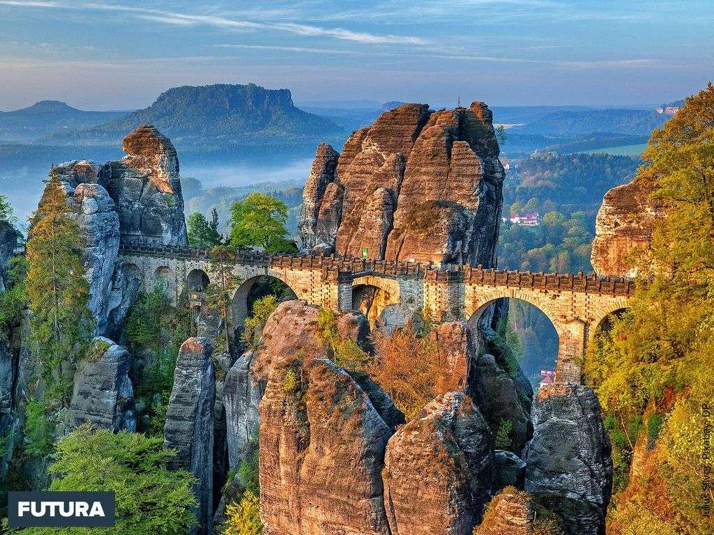 Pont de la Bastei dans la vallée de l'Elbe, Suisse