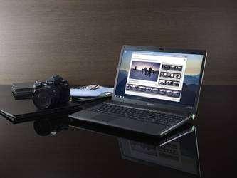 Le Sony Vaio Série F et son écran Full HD de 41 cm de diagonale (cliquer sur l'image pour l'agrandir). © DR