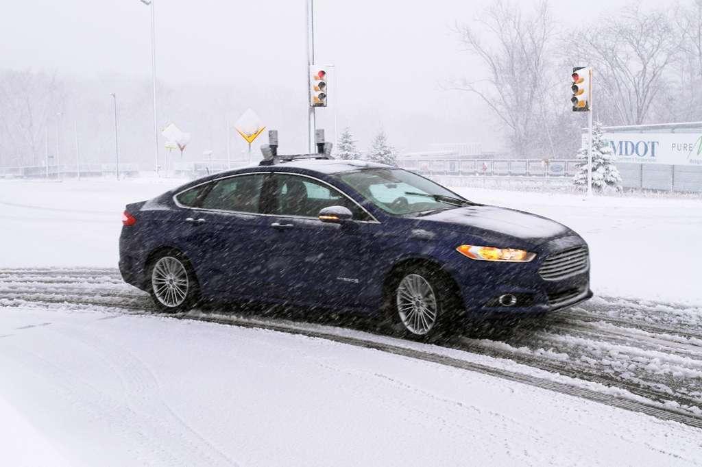 Ford avait déjà illustré les performances de ses Lidar en démontrant comment ils permettent à sa voiture autonome de circuler sur des routes enneigées. © Ford