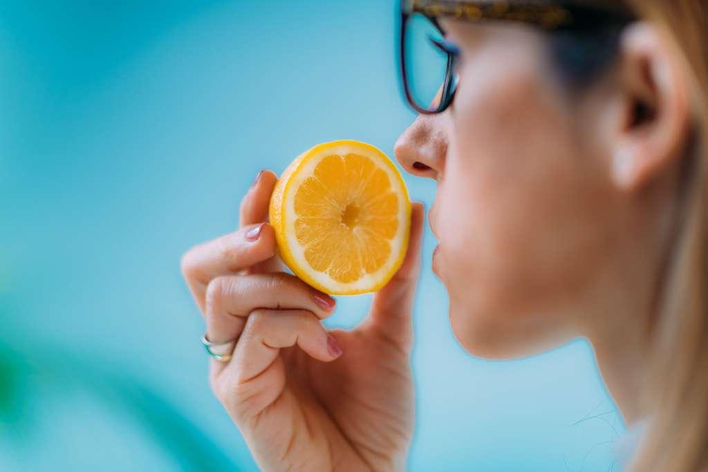 6% des patients atteints de Covid n'ont pas retrouvé l'odorat 6 moins après la maladie. © Microgen, Adobe Stock